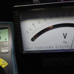 アナログ電圧計