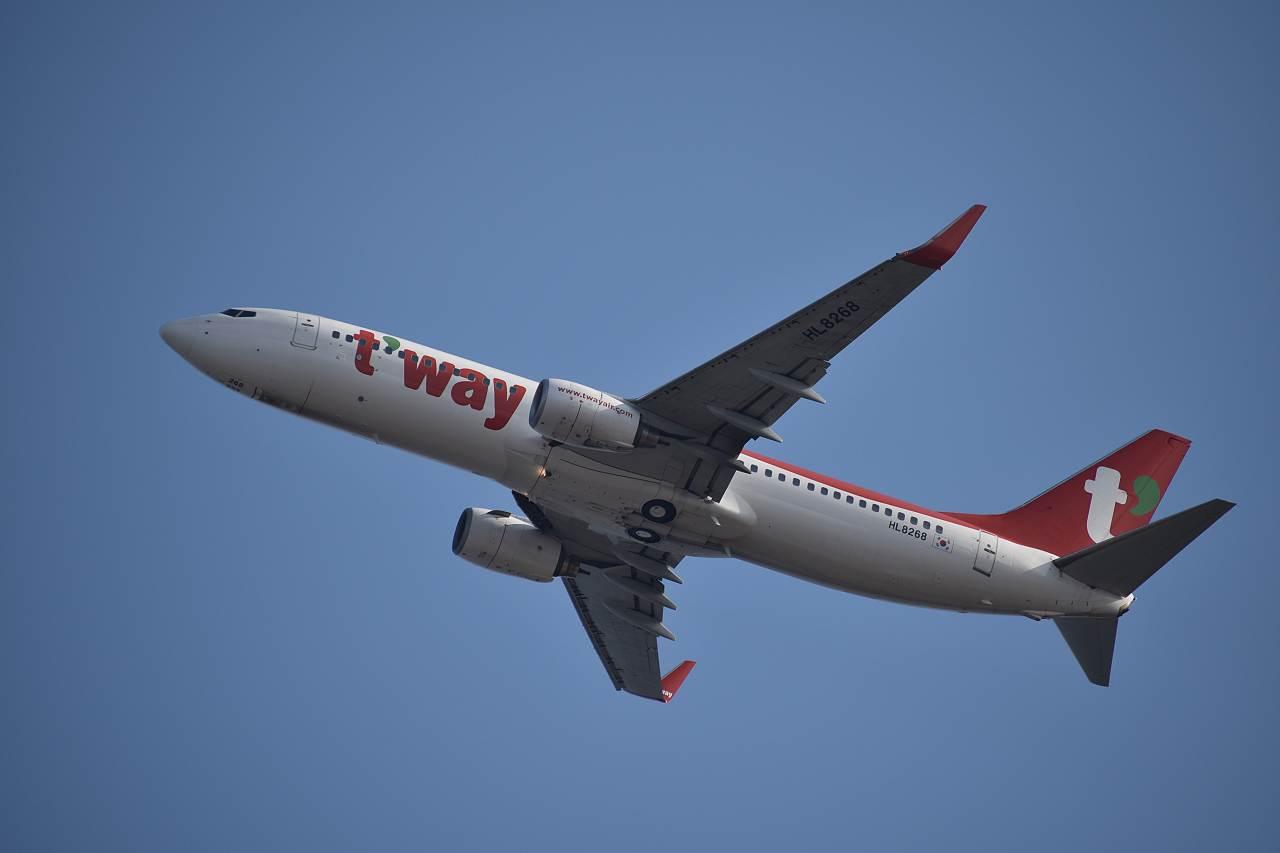 ティーウェイ航空 HL8268